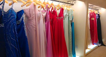 f37f4651aaa72a Understanding mobile needs (How I bought my daughter a prom dress)